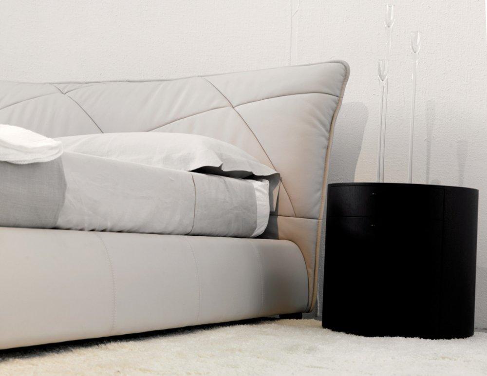 Camere da letto moderne con finiture in pelle - Arredamenti Catania ...