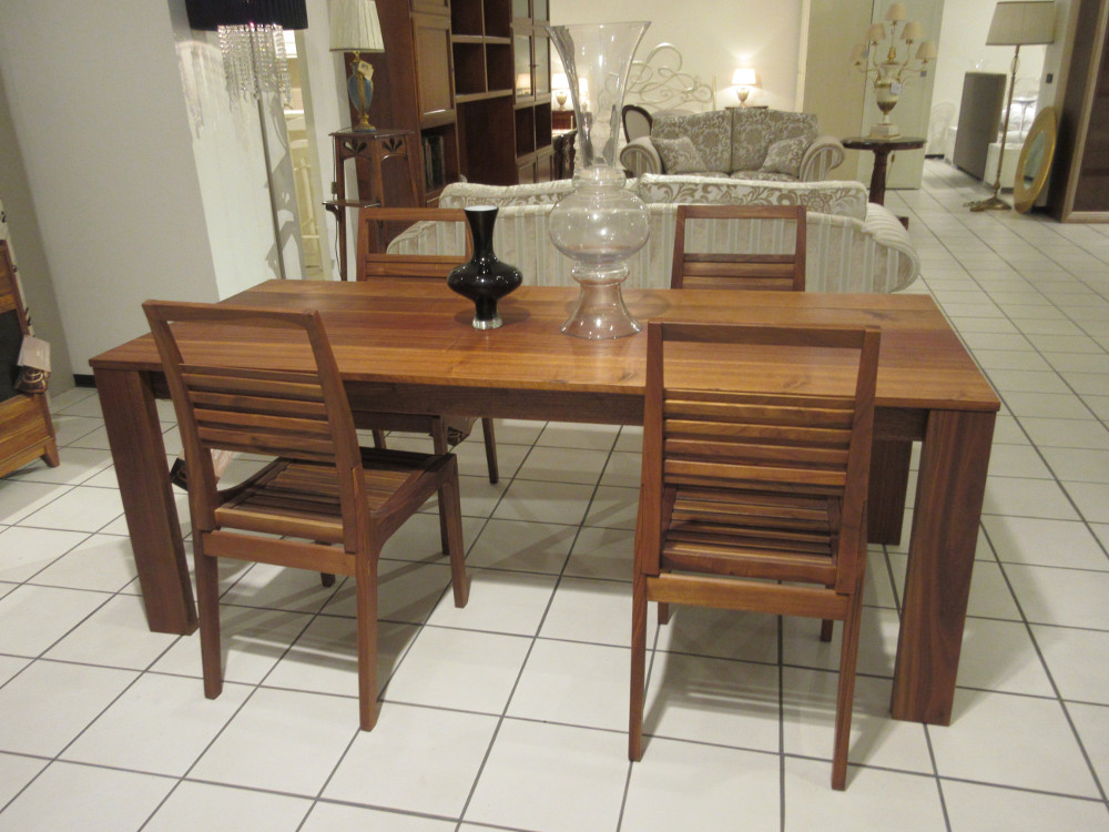 Outlet Completo: Tavolo - Sedie - Madia